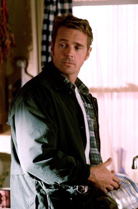 Jonathan (Jon Schneider) versucht, Clarks wahre Herkunft mit allen Mitteln geheim zu halten ... - Bildquelle: Warner Bros.