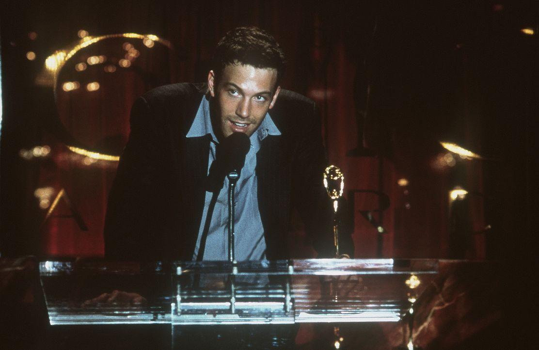 Der erfolgreiche Manager Buddy Amaral (Ben Affleck) überlässt aus einer Laune heraus, sein Flugticket dem Familienvater Greg, damit dieser rechtzeit... - Bildquelle: Miramax Films
