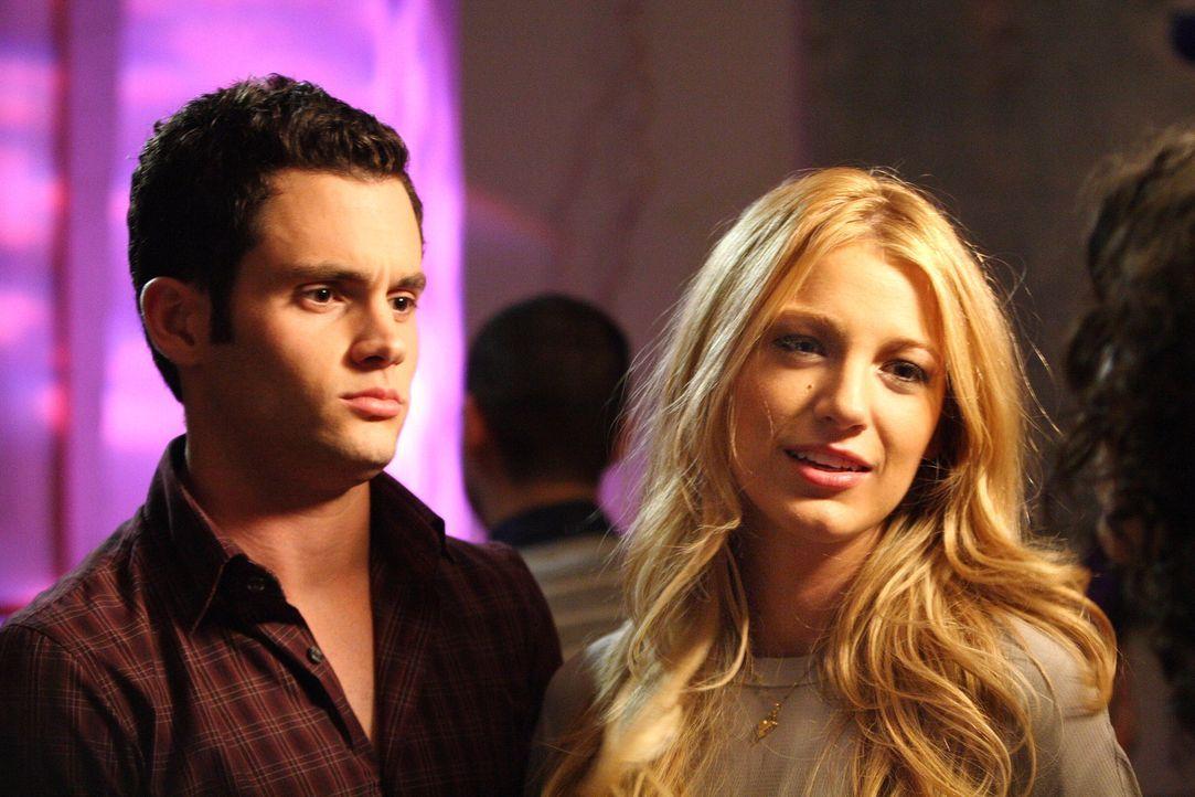 Dan (Penn Badgley, l.) möchte Serena (Blake Lively, r.) mit Vanessa, seiner besten Freundin, bekanntmachen. Doch derzeit herrscht noch eisige Stimmu... - Bildquelle: Warner Bros. Television
