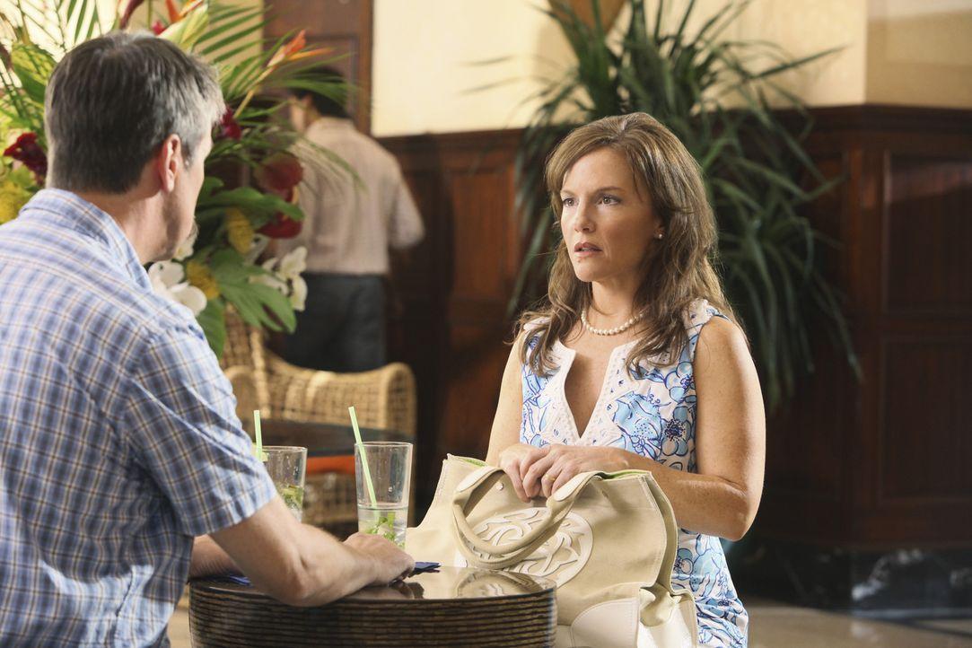 Jules hat Geburtstag und lädt Laurie und Ellie in ein wunderschönes Strandhotel ein, um weit ab von den Menschen in Cougar Town feiern zu können.... - Bildquelle: 2009 ABC INC.