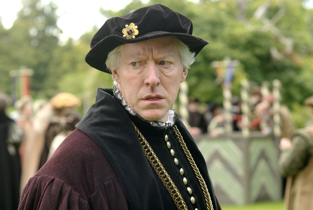 Hofft, dass seine Tochter, die Königin von England, Henry endlich einen Sohn schenken wird: Sir Thomas Boleyn (Nick Dunning) ... - Bildquelle: 2008 TM Productions Limited and PA Tudors II Inc. All Rights Reserved.