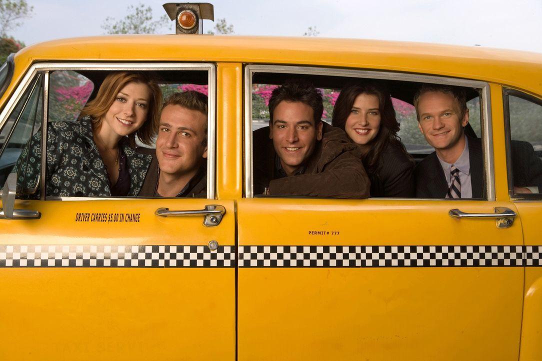 (1. Staffel) - Wie es früher war: Das Leben von Ted (Josh Radnor, M.) und seinen Freunden Marshall (Jason Segel, 2.v.l.), Barney (Neil Patrick Harri... - Bildquelle: 20th Century Fox International Television
