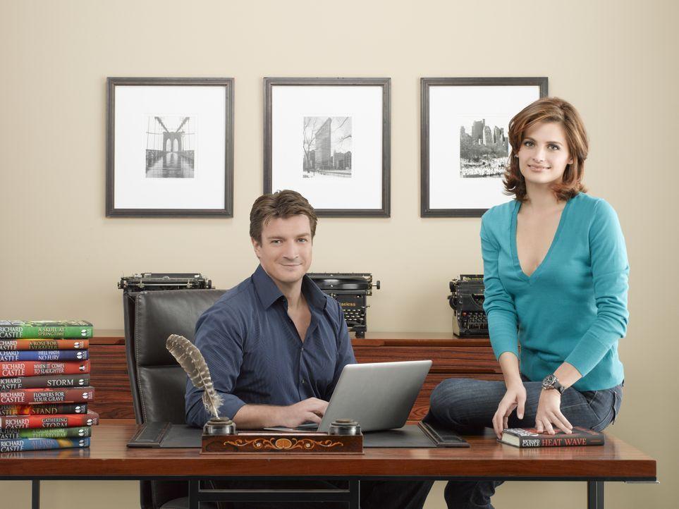 (2. Staffel) - Werden zur Zusammenarbeit gezwungen: Richard Castle (Nathan Fillion, l.) und Kate Beckett (Stana Katic, r.) - Bildquelle: ABC Studios