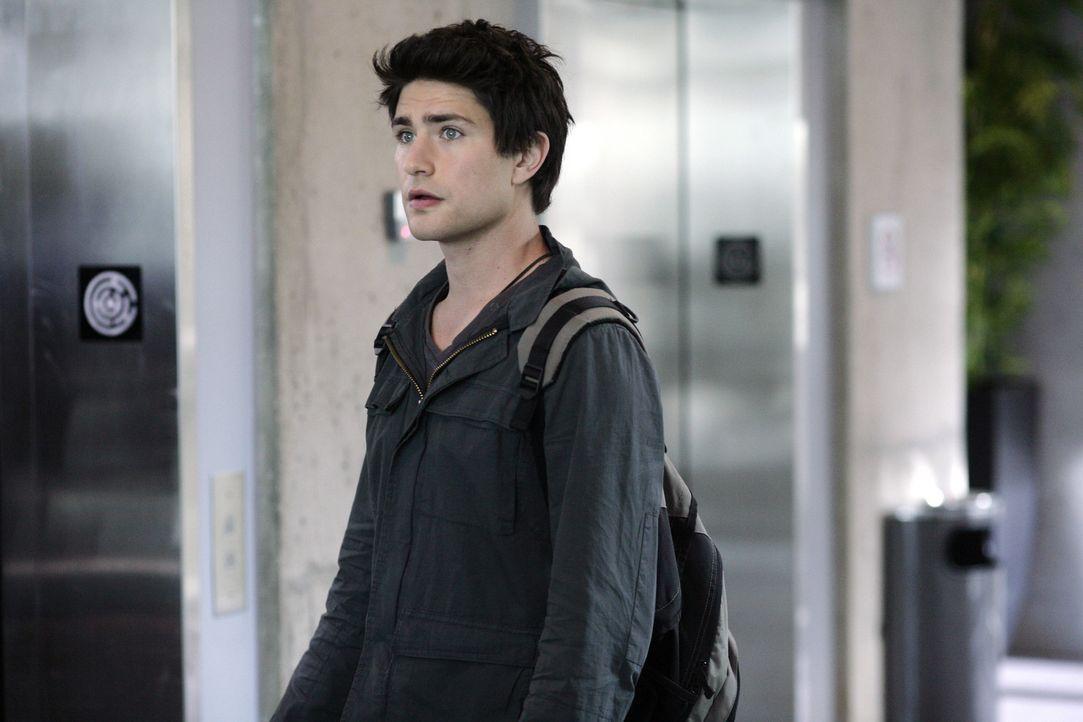 Kyle (Matt Dallas) ist entsetzt: Während er und Declan aus dem Gebäude flüchten können, wird Tom Foss entdeckt. Die Jungs müssen ihn zurücklas... - Bildquelle: TOUCHSTONE TELEVISION