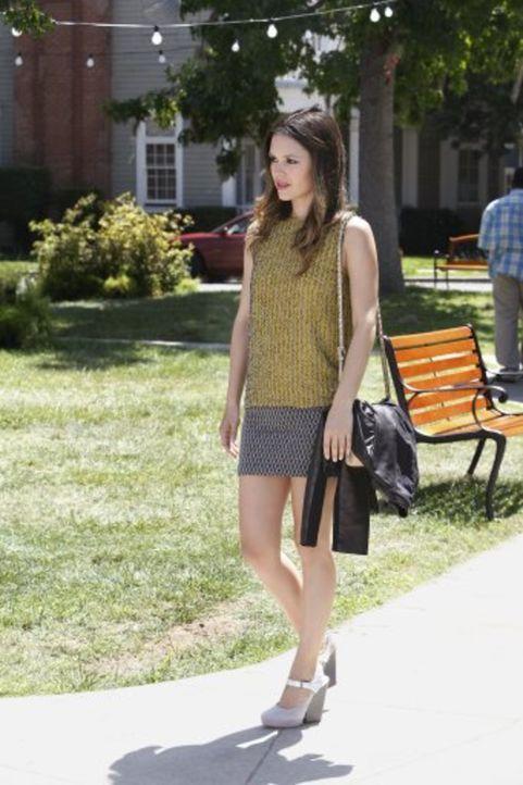 Als Wade plötzlich mit seiner Ehefrau im Diner auftaucht, kann Zoe (Rachel Bilson) es nicht glauben und verliert die Hoffnung, in Bluebell jemals ei... - Bildquelle: Warner Bros.