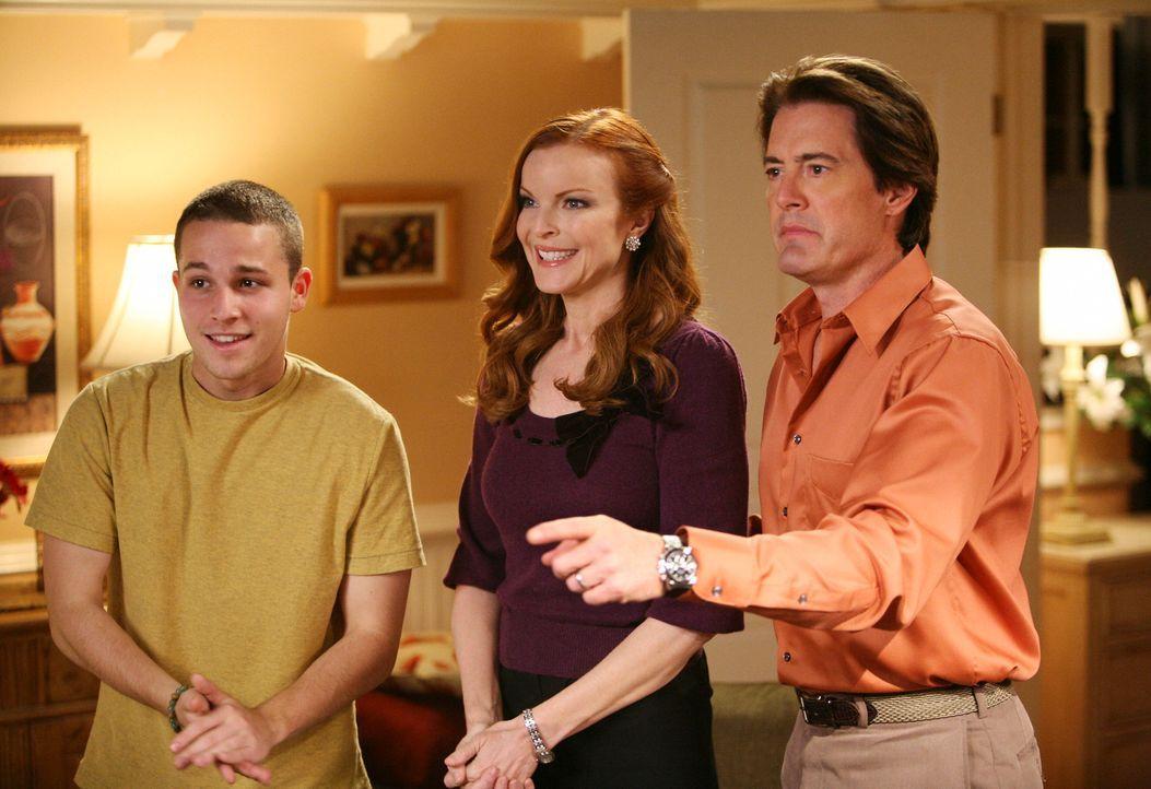 Orson (Kyle MacLachlan, r.) und Bree (Marcia Cross, M.) hoffen, dass ihr Plan aufgeht und Walter sich in Andrew (Shawn Pyfrom, l.) verliebt ... - Bildquelle: ABC Studios