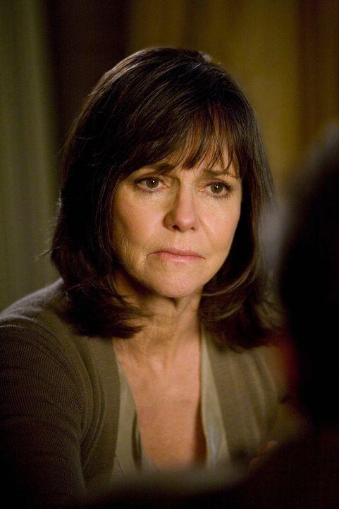 Verliert nicht den Überblick: Nora (Sally Field) ... - Bildquelle: 2008 ABC INC.