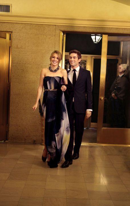 Nate (Chace Crawford, r.) vermutet, dass Juliet (Katie Cassidy, l.) ein Geheimnis vor ihr verbirgt und entscheidet sich, sie damit zu konfrontieren... - Bildquelle: Warner Bros. Television