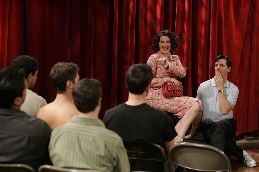 Jack (Sean Hayes, r.) erfährt, dass Wendell, ein ehemaliger Schüler, seinen Schauspielkurs übernommen hat, doch mit Karens (Megan Mullally, 2.v.r.)... - Bildquelle: Chris Haston NBC Productions