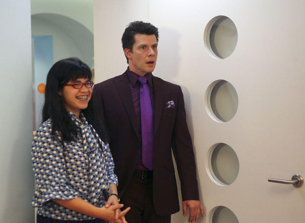 Betty (America Ferrera, l.) hat eine große Überraschung für Daniel (Eric Mabius, r.) in petto ... - Bildquelle: Buena Vista International Television