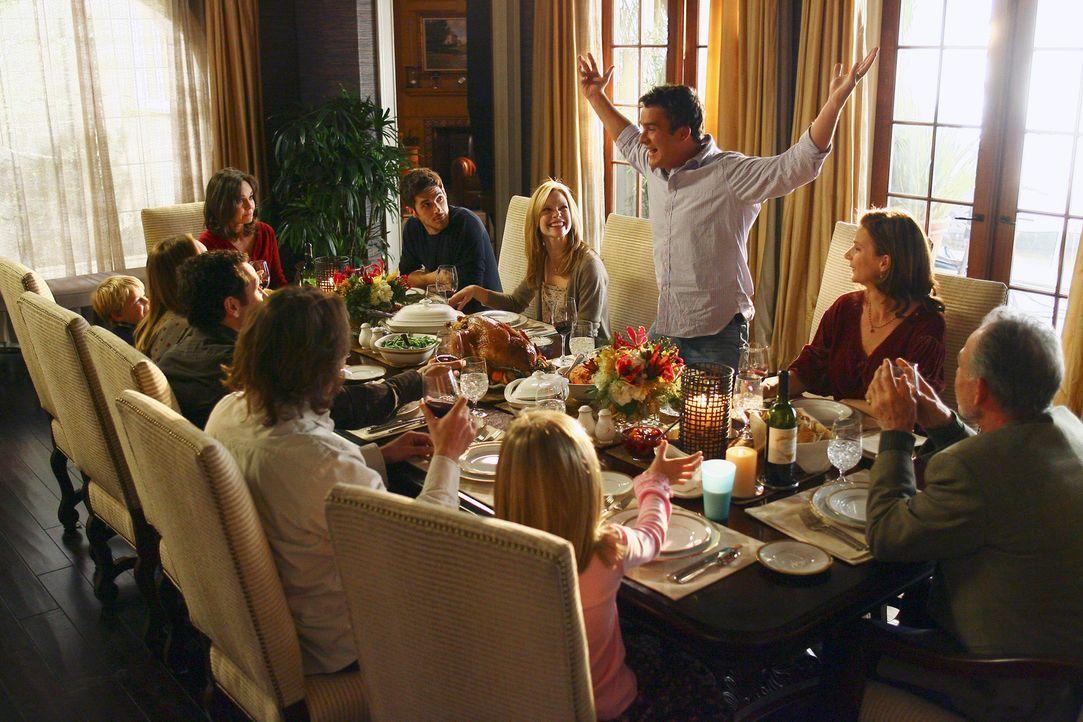 Die Walkers treffen zu Thanksgiving zusammen: (v. vorne M. im Uhrzeigersinn) Paige (Kerris Lilla Dorsey), Joe (John Pyper-Ferguson), Kevin (Matthew... - Bildquelle: Disney - ABC International Television