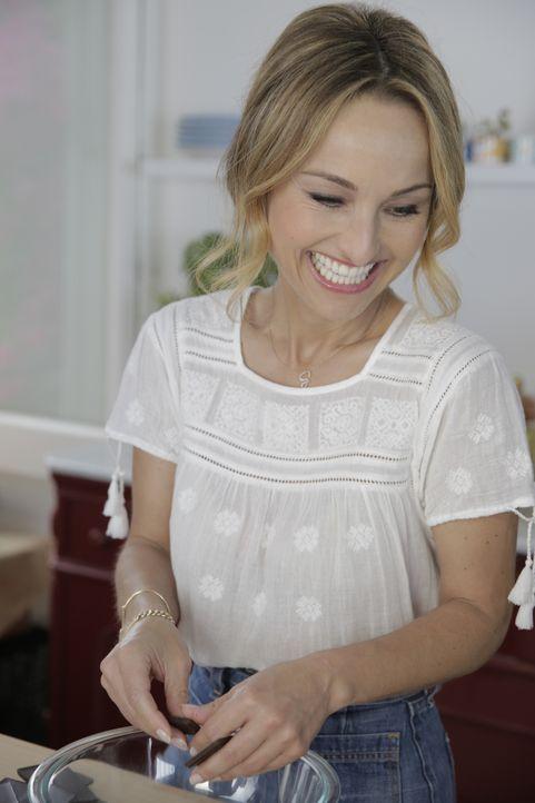 In der Küche ist Giada De Laurentiis genau in ihrem Element und liebt es, neue Rezepte auszuprobieren ... - Bildquelle: 2015,Television Food Network, G.P. All Rights Reserved