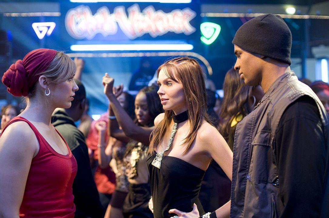 Nora (Christina Murphy, M.) macht Megan (Shoshanna Bush, l.) schnell deutlich, wer bei Thomas (Damon Wayans Jr., r.) hoch im Kurs steht ... - Bildquelle: 2008 PARAMOUNT PICTURES CORPORATION