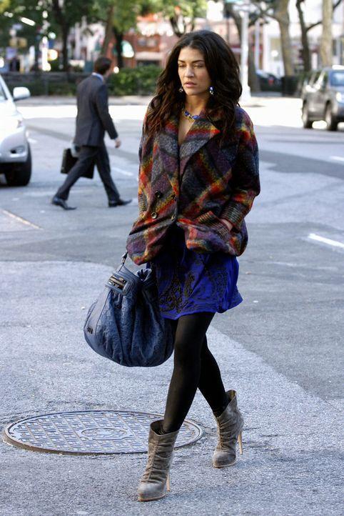 Vanessa (Jessica Szohr) ist die Situation nach dem Dreier sehr unangenehm. - Bildquelle: Warner Brothers