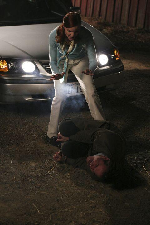 Bree (Marcia Cross, oben) wird klar, dass sich George (Roger Bart, unten) keine falschen Hoffnungen machen darf ... - Bildquelle: Touchstone Television