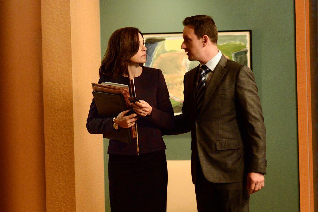 Will (Josh Charles, r.) hofft auf Alicias (Julianna Margulies, l.) Unterstützung, als ein Streit zu einer Abstimmung führt ... - Bildquelle: Myles Aronowitz 2013 CBS Broadcasting Inc. All Rights Reserved.