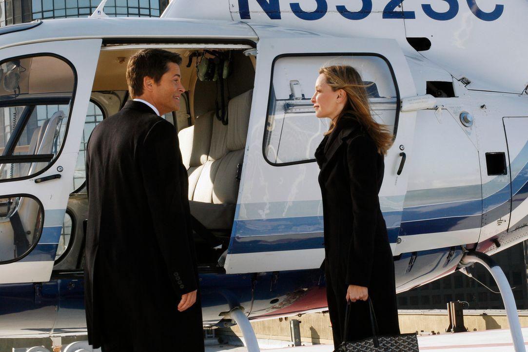 Erleben einen außergewöhnlichen Valentinstag: Kitty(Calista Flockhart, r.) und Senator McCallister (Rob Lowe, l.) ... - Bildquelle: Disney - ABC International Television