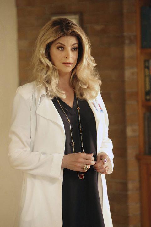 Das Verhalten von Ingrid (Kristie Alley) gefällt den Chanels überhaupt nicht und auch Munsch hat immer mehr Schwierigkeiten mit der gelernten Kranke... - Bildquelle: 2016 Fox and its related entities.  All rights reserved.