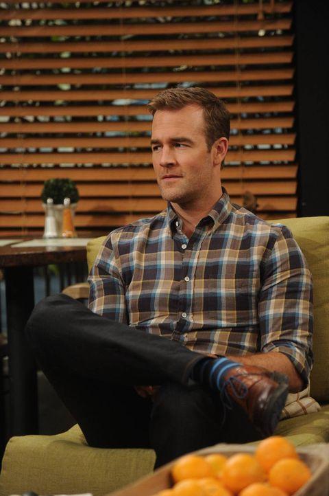 Will (James Van Der Beek) versucht sich als Puppenspieler, mit großem Erfolg ... - Bildquelle: 2013 CBS Broadcasting, Inc. All Rights Reserved.