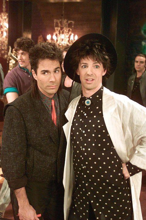 Denken mit grauen zurück an ihr eigenes Coming-Out: Will (Eric McCormack, l.) und Jack (Sean Hayes, r.) - Bildquelle: NBC Productions