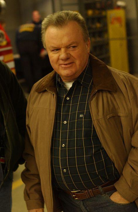 Chief Jerry Reilly (Jack McGee) ist überzeugt, dass er auf seinen alten Posten zurückkehren darf. Aber das ist ein fataler Irrtum ... - Bildquelle: 2007 Sony Pictures Television Inc. All Rights Reserved