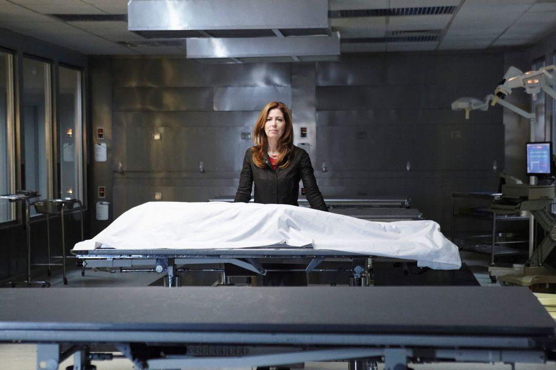 Ein Autounfall beendet der Karriere der erfolgreichen Neurochirurgin Dr. Megan Hunt (Dana Delany). Doch davon lässt sie sich nicht beirren. Megan tr... - Bildquelle: 2010 American Broadcasting Companies, Inc. All rights reserved.