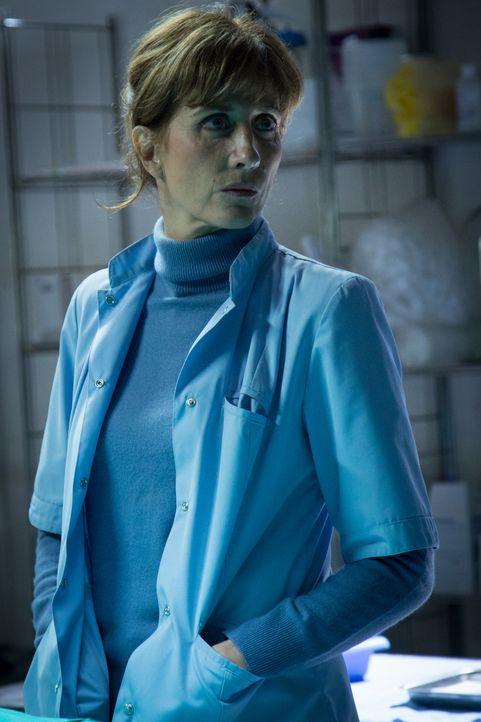 Bérénice (Valérie Dashwood) - Bildquelle: Eloïse Legay 2018 BEAUBOURG AUDIOVISUEL / TF1