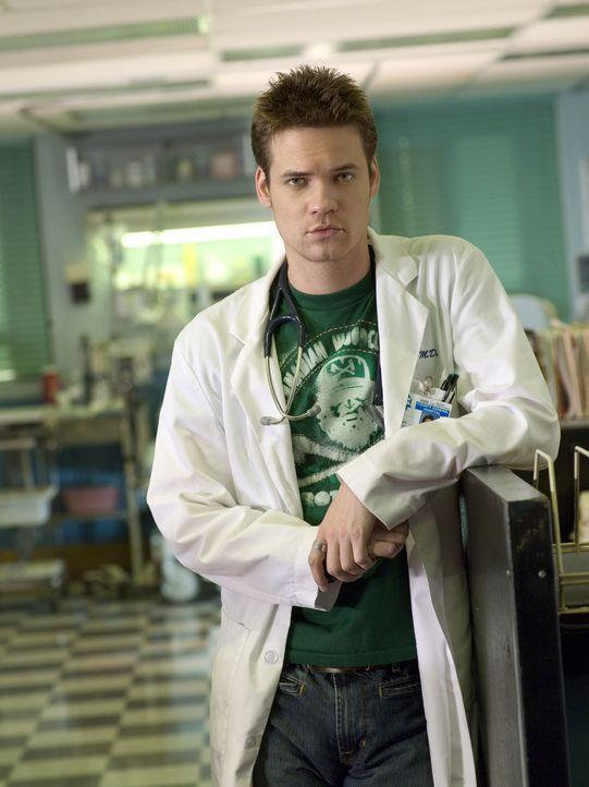 (12. Staffel) - Ist sich seiner Verantwortung als Arzt nicht immer sicher: Dr. Ray Barnett (Shane West) ... - Bildquelle: Warner Bros. Television