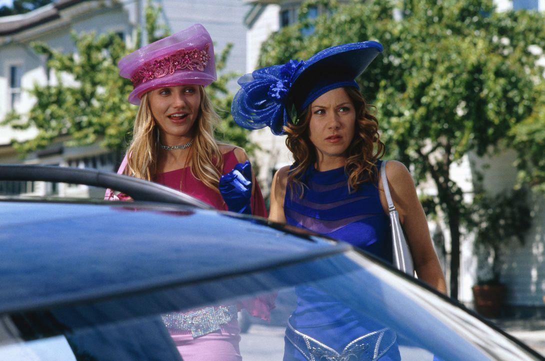 Auf haarsträubender Jagd nach dem Traummann: Christina (Cameron Diaz, l.) und Courtney (Christina Applegate, r.) ... - Bildquelle: 2003 Sony Pictures Television International