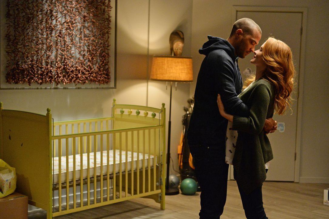Machen sich gegenseitig Mut: Jackson (Jesse Williams, l.) und April (Sarah Drew, r.) ... - Bildquelle: ABC Studios