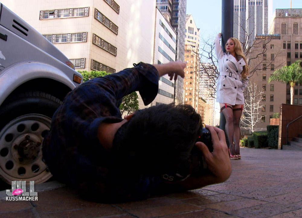 Die junge Hollywood-Auswanderin Jill Kussmacher (r.) versucht mit ihrer unverbrauchten, überraschenden und immer unterhaltsamen Art, ihren American... - Bildquelle: sixx