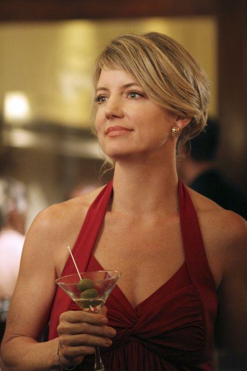 Das romantische Dinner von Keith und Bree platzt, als Bree auf eine alte Bekannte Tracy Miller (Cynthia Watros, l.) trifft ... - Bildquelle: ABC Studios