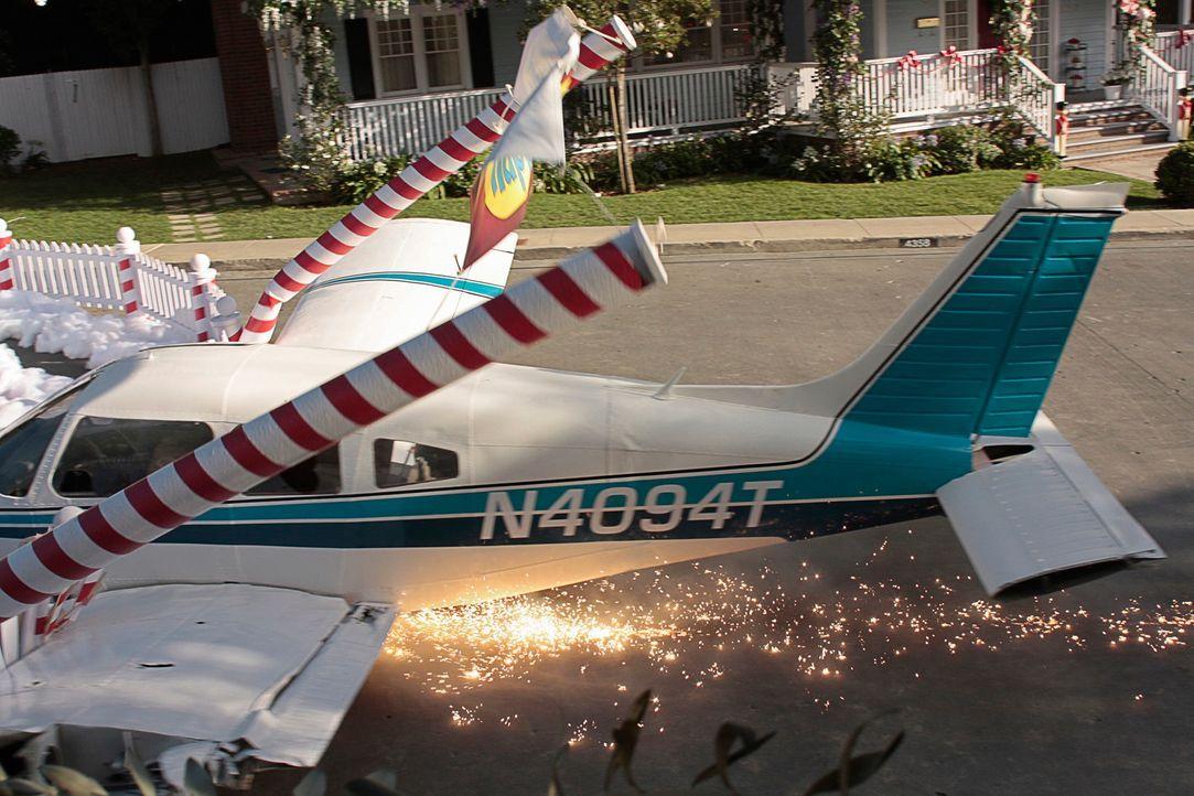 Ein abstürzendes Flugzeug zerstört das Leben einiger Bewohner in der Wisteria Lane ... - Bildquelle: ABC Studios