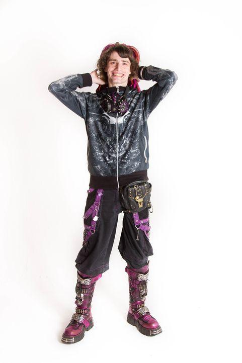 Cyber-Goth Nathan liebt die Aufmerksamkeit, die sein Look generiert. Doch in der Öffentlichkeit kommt sein Look alles andere als gut an. Doch welche... - Bildquelle: Dan Broom Licensed by Fremantle Media Enterprises Ltd.