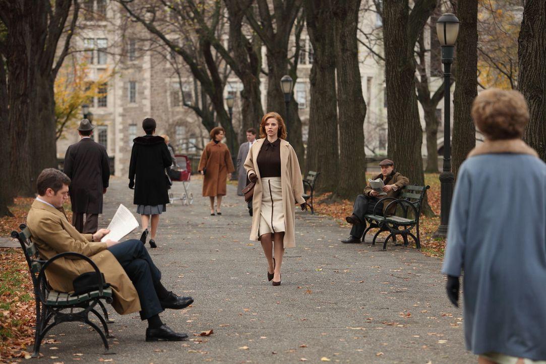 Ein erneutes Treffen mit Richard Parks (Jeremy Davidson, l.) kann für Kate (Kelli Garner, M.) nichts Gutes bedeuten ... - Bildquelle: 2011 Sony Pictures Television Inc.  All Rights Reserved.