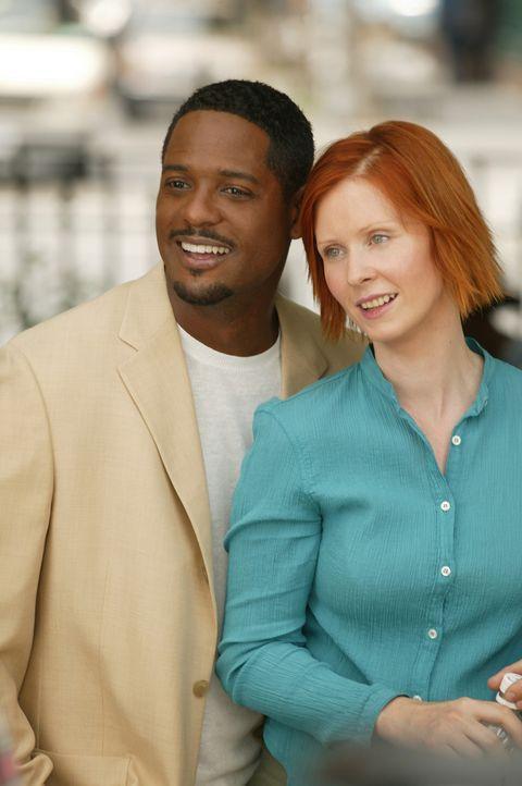 Die Beziehung zwischen Miranda (Cynthia Nixon, r.) und Robert (Blair Underwood, r.) entwickelt sich durchweg harmonisch ... - Bildquelle: Paramount Pictures