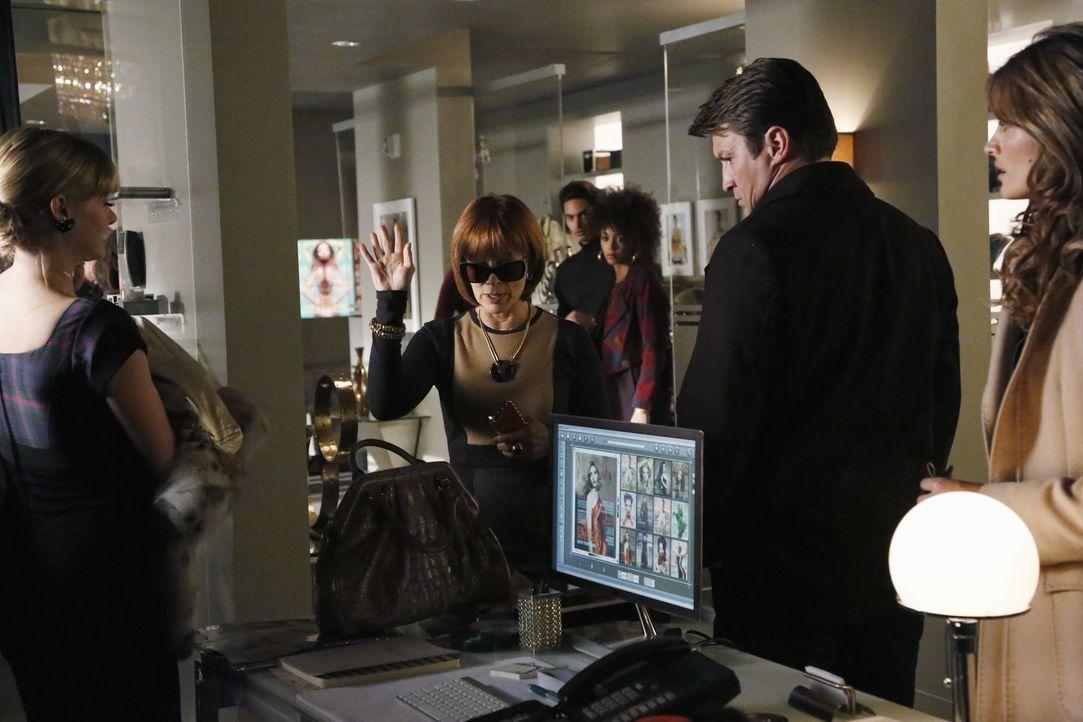 Als die Assistentin der selbstherrlichen Chefredakteurin einer Modezeitschrift, Matilda King (Frances Fisher, 2.v.l.) ermordet aufgefunden wird, müs... - Bildquelle: 2013 American Broadcasting Companies, Inc. All rights reserved.