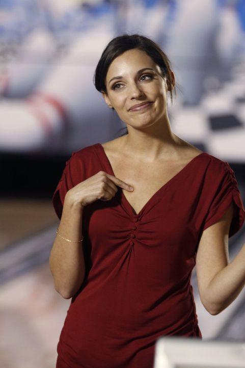 Verzweifelt versucht Millicent (Lisa Goldstein), wieder ein wenig Normalität in ihr Leben zu bekommen ... - Bildquelle: Warner Bros. Pictures