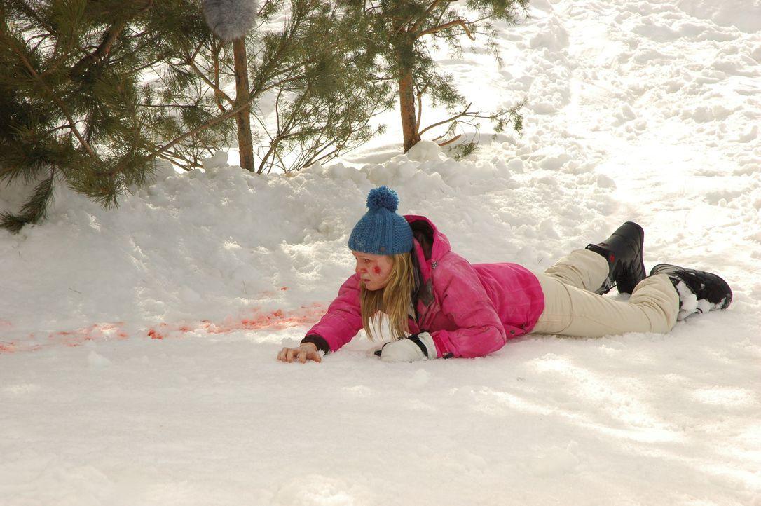 Ihr erster Skitag wird wohl auch ihr letzter sein, wenn weiterhin alles schief läuft: Parker (Emma Bell) ... - Bildquelle: Fred Hayes Frostbite Features, Inc. / Fred Hayes