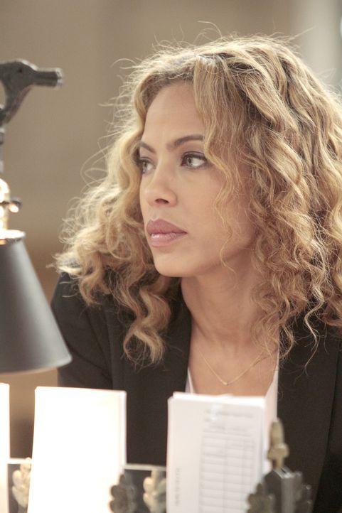 Ein Banküberfall beschäftigt die toughe Cherie Rollins-Murray (Tawny Cypress) vom FBI. Wird sie herausfinden, wer hinter dem brutalen Verbrechen ste... - Bildquelle: 2013 Sony Pictures Television Inc. All Rights Reserved.