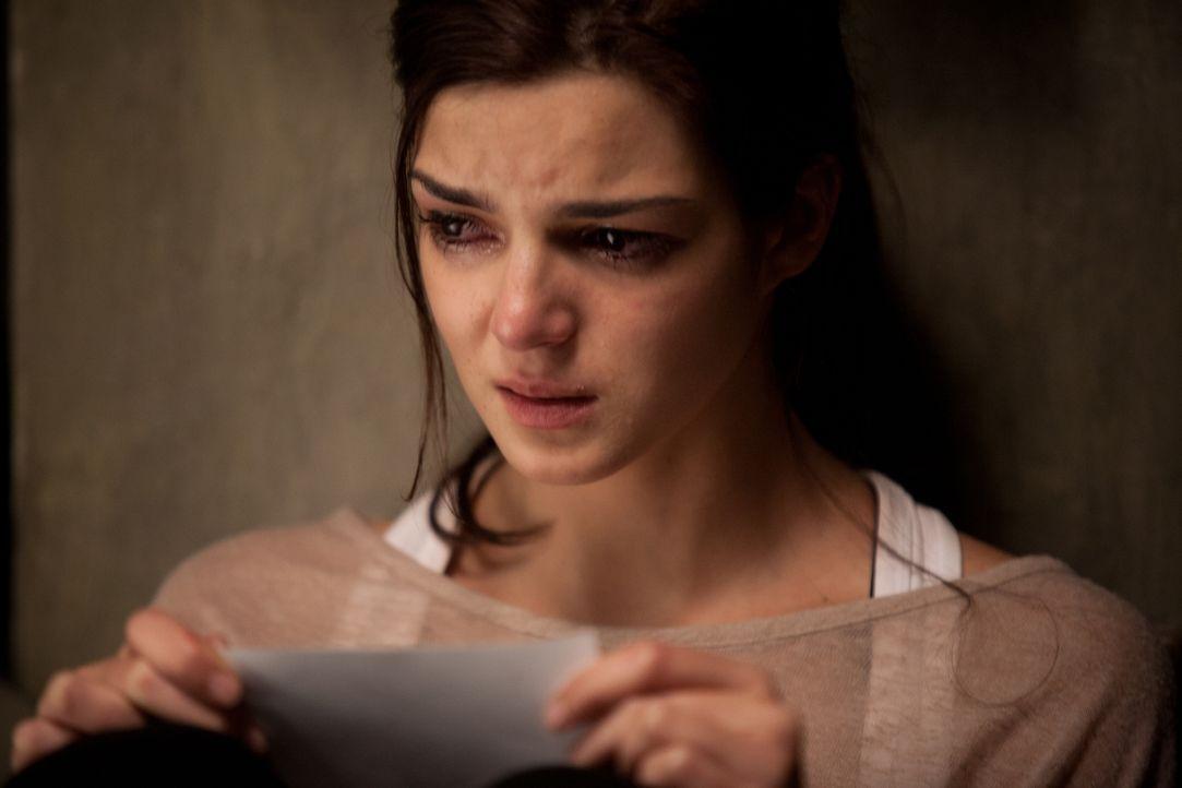 Als Belén (Clara Lago) von einem geheimen Panikraum im Haus erfährt, bringt sie das auf die Idee, Adrían auf seine Treue zu überprüfen. Sie hinterlä... - Bildquelle: Twentieth Century Fox Film Corporation. All rights reserved.
