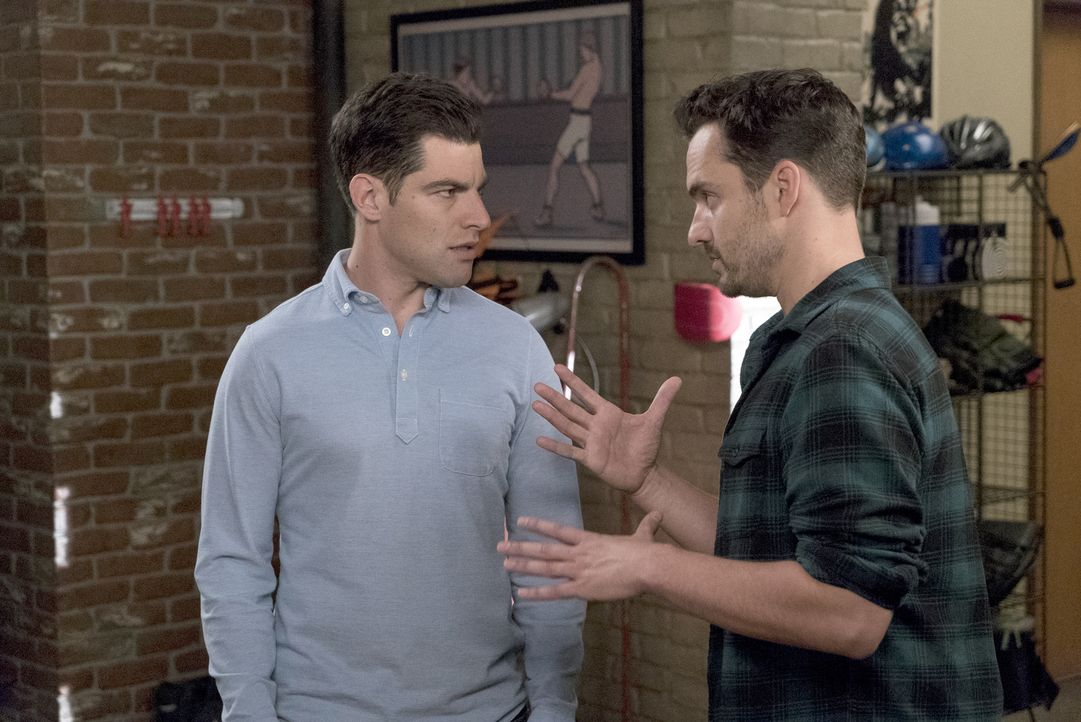 Schmidt (Max Greenfield, l.) regt Nick (Jake Johnson, r.) an, über seine Zukunft nachzudenken, nachdem Nicks Cousin unerwartet zu Besuch kommt ... - Bildquelle: Jennifer Clasen 2016 Fox and its related entities.  All rights reserved.