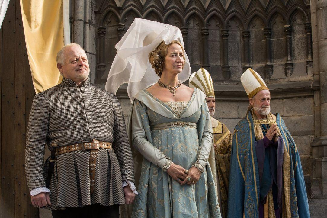 Baron Rivers (Robert Pugh, l.), Jacquetta Woodville (Janet McTeer, M.) sind stolz auf Elizabeth, die soeben zur neuen Königin Englands gekrönt wur... - Bildquelle: 2013 Starz Entertainment LLC, All rights reserved