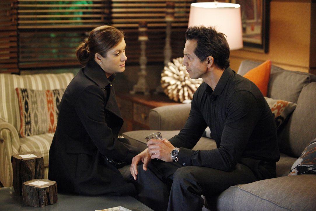 Als sich Ericas Zustand rapide verschlechtert, versuchen Charlotte und Cooper Mason auf das Schlimmste vorzubereiten, während Addison (Kate Walsh, l... - Bildquelle: ABC Studios