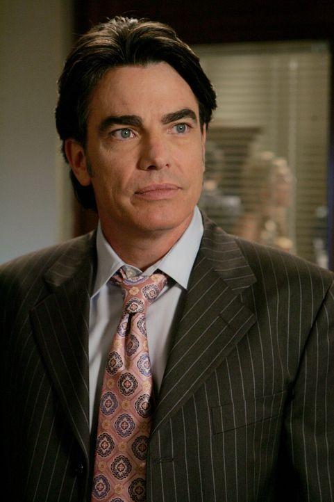 Sandy (Peter Gallagher) hofft, dass Ryan seine Entscheidung auf einem Fischerboot zu arbeiten, sich noch einmal gründlich überlegt ... - Bildquelle: Warner Bros. Television