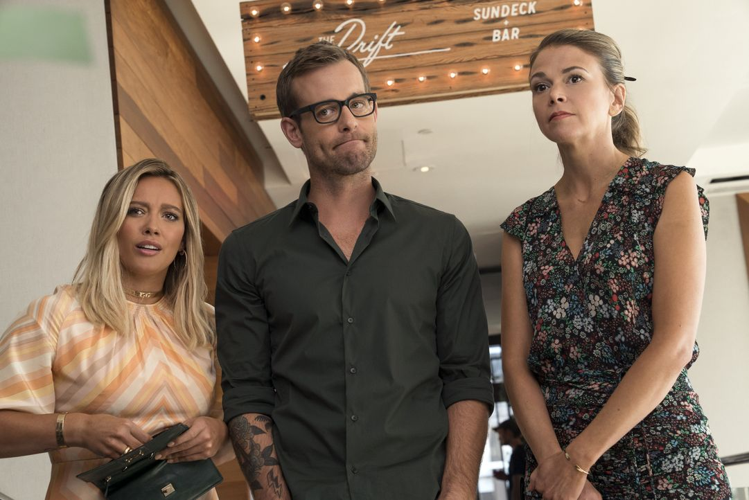 (v.l.n.r.) Kelsey (Hilary Duff); Colin McNichol (Jay Wilkison); Liza (Sutton Foster) - Bildquelle: Hudson Street Productions Inc 2016
