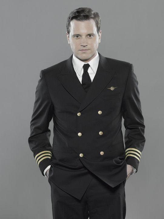(1.Staffel) - Der Job als erster Offizier ist für Ted Vanderway (Michael Mosley) nur seine zweite Wahl, nachdem er als Militärpilot gescheitert is... - Bildquelle: 2011 Sony Pictures Television Inc.  All Rights Reserved.