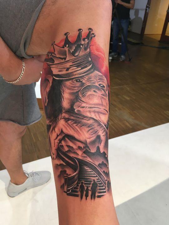 Pain & Fame Tattoos Folge 2 - 16 - Bildquelle: RedSeven