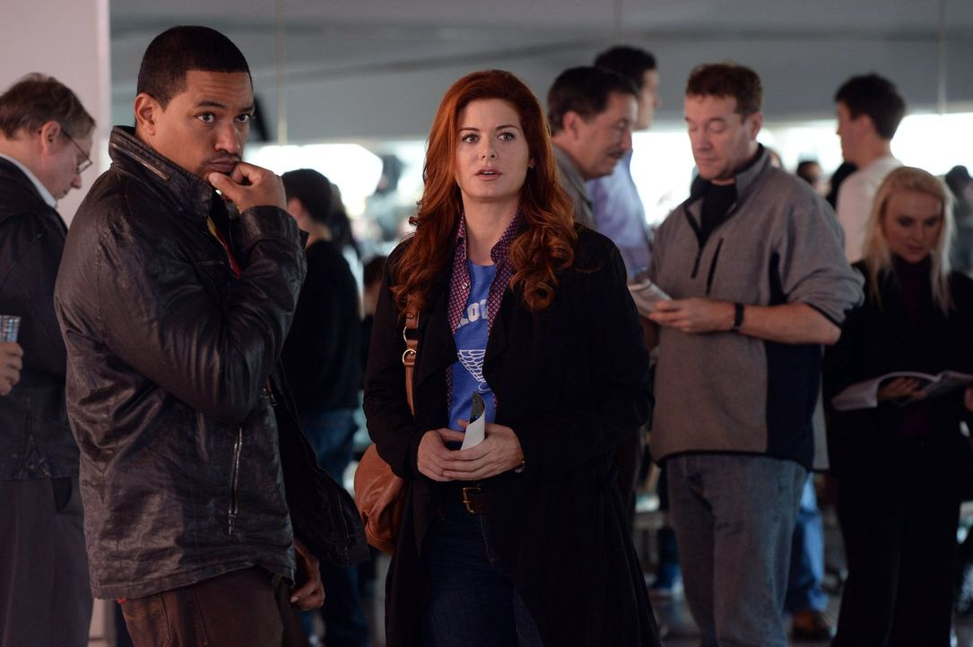 Als der erfolgreiche Fruchtbarkeitsmediziner Dr. Karl Forster als vermisst gemeldet wird, müssen Laura (Debra Messing, r.) und Billy (Laz Alonso, l.... - Bildquelle: Warner Bros. Entertainment, Inc.