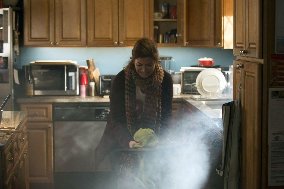 Hat alle Hände voll zu tun: Laura Diamond (Debra Messing) ... - Bildquelle: Warner Bros. Entertainment, Inc.